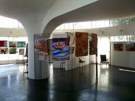 Salle d`exposition pilier central
