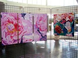 Vue partielle de l`exposition, fleurs